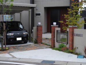 カーポートが建物と一体化する/石川県/白山市