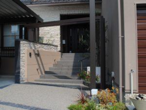 前庭を大胆に駐車スペース化/石川県/加賀市