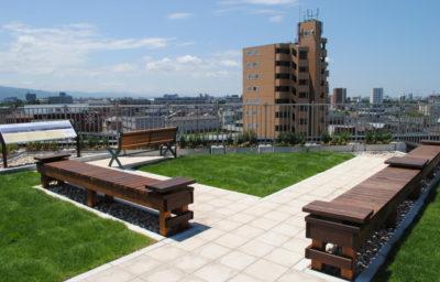 涼しく開放的な屋上ガーデン/石川県/金沢市